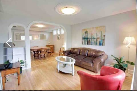 Beautiful 1 bedroom close to downtown & Bell Park
