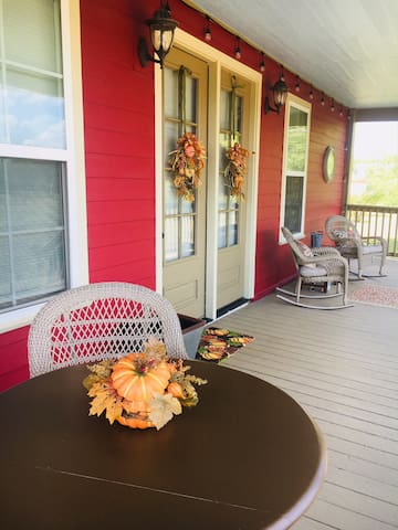 Your porch is waiting !