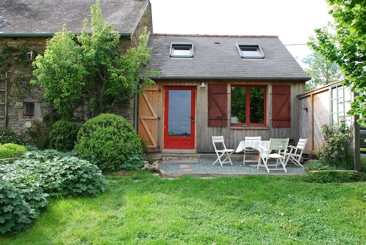 Le Petit Gîte de Langon,maison écologique avec vue - Langon - House