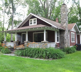 The 1924 Bungalow - Paupack - House