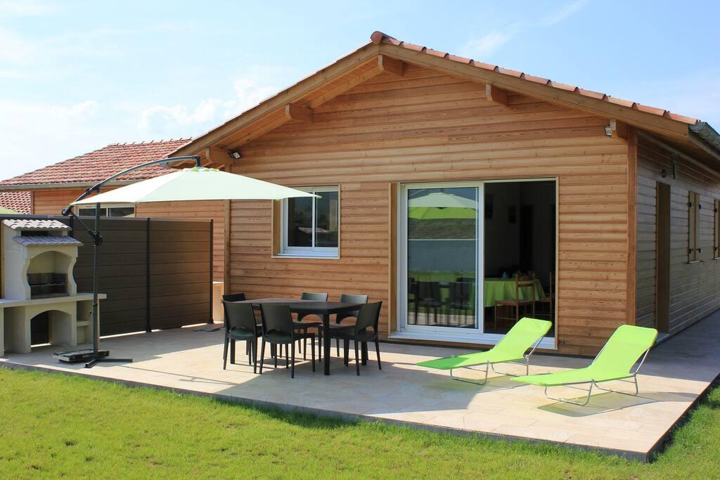 gite maison bois pays basque st jean pied de port maisons louer saint jean le vieux. Black Bedroom Furniture Sets. Home Design Ideas