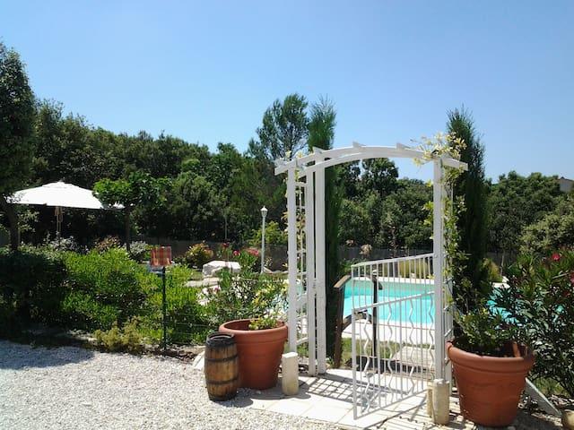 LE WEZAK ,Suite Sérénité. - Saint-Siffret - Konukevi