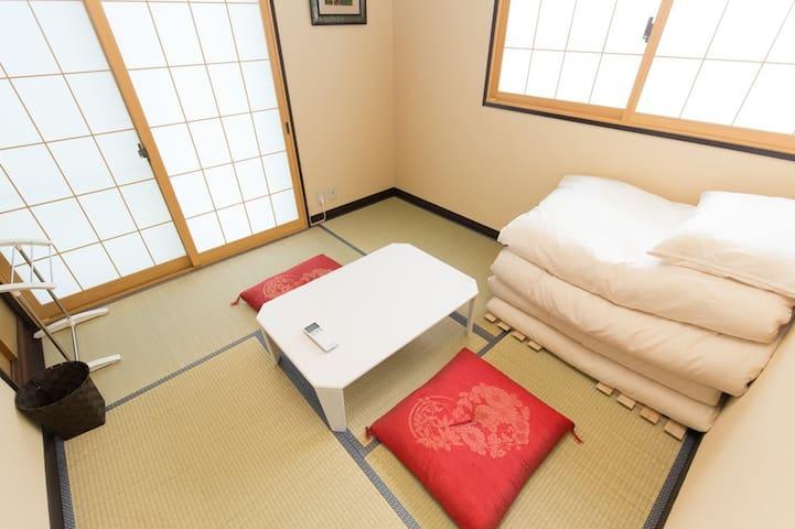 ①ShareRoomJPNFlat nr Sta Easy→Shinjuku Int+WiFi+TV