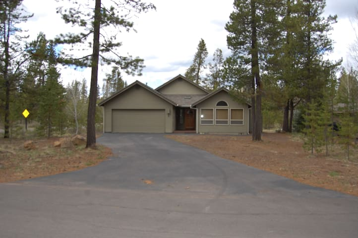 Pet Friendly Home Sunriver Home - Sunriver - Casa