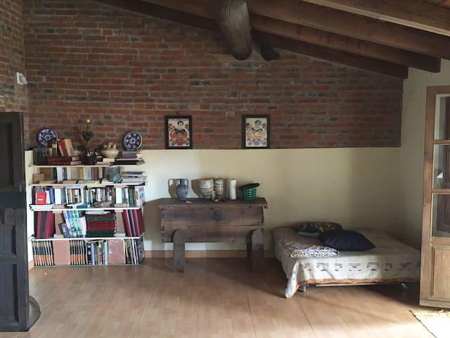 Buhardilla en casa rústica - Coria