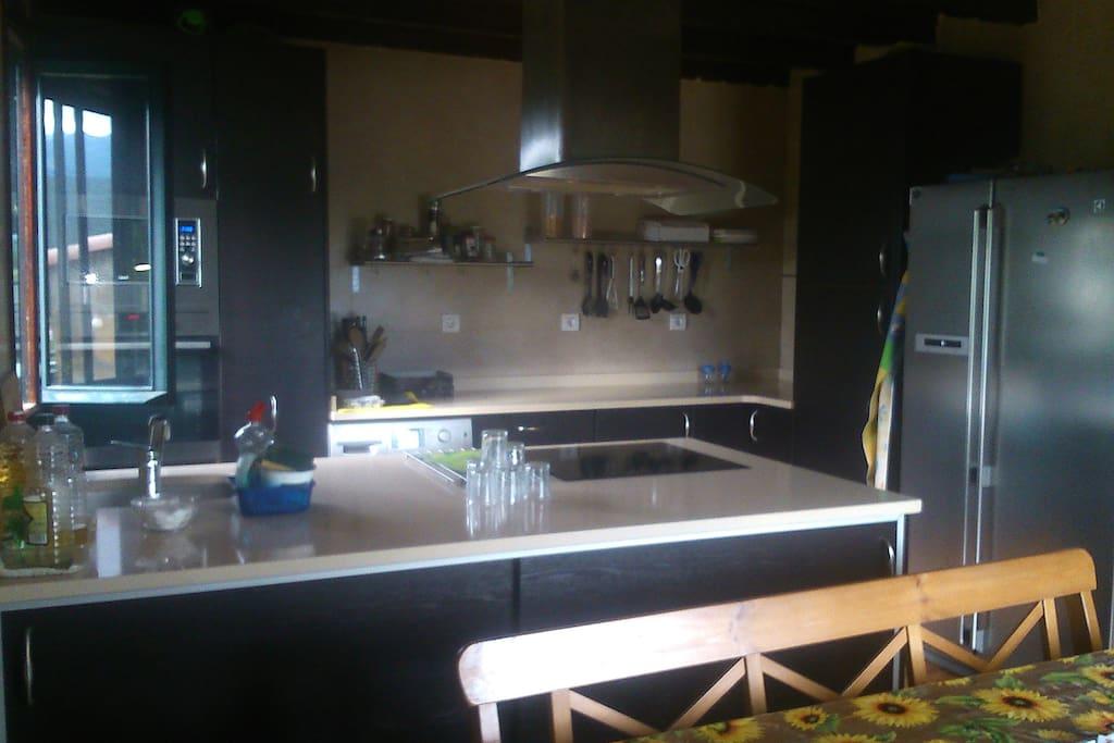 Cocina en planta principal totalmente equipada.