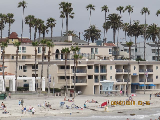 Oceanside One Bedroom on the Beach! March 8-14