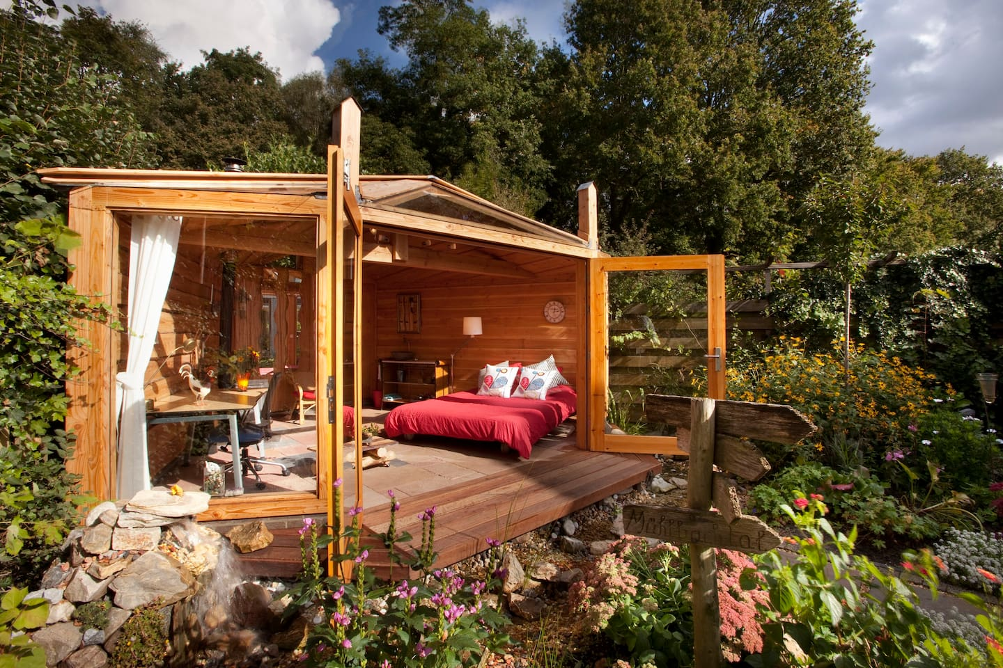 Charming gardenroom with woodstove
