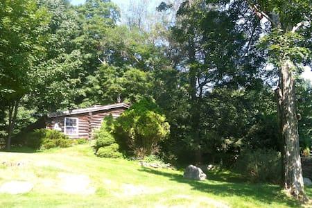 Rustic Cabin on Private Retreat - Redding - 小木屋
