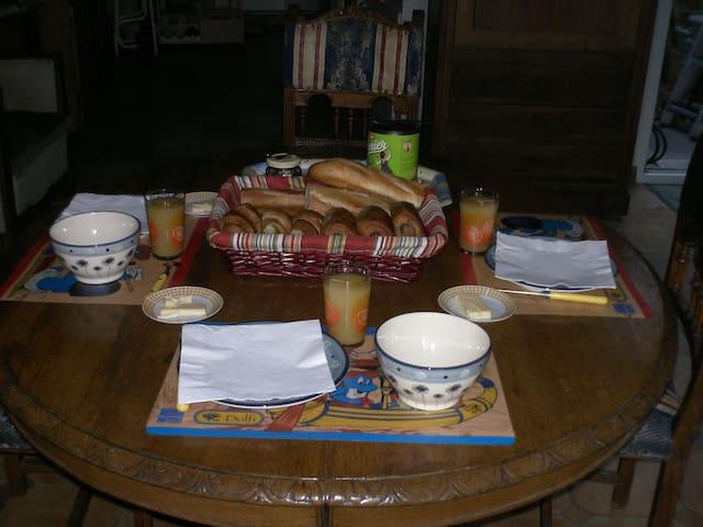 """Chambre d'hôtes """"La Sirène"""" - Saint-Valery-sur-Somme - Bed & Breakfast"""