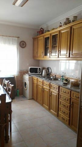 Entire Home / 2 bedroom flat + nice terrace - Baixa da Banheira - Appartement