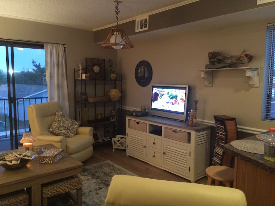 Relax in Cozy Living Room with 2 recliners and comfy sofa