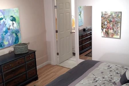 Kingbed, Studio Apt, Private, Quiet - Asheville