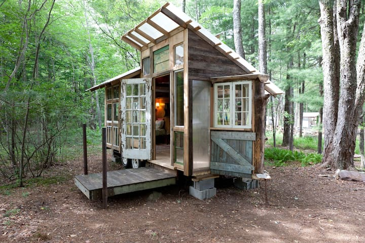Tiny Home on Farm Upstate Catskills - Woodridge - Wohnwagen/Wohnmobil