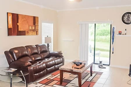 Room near Kennedy Space Center! - Rockledge - Hus