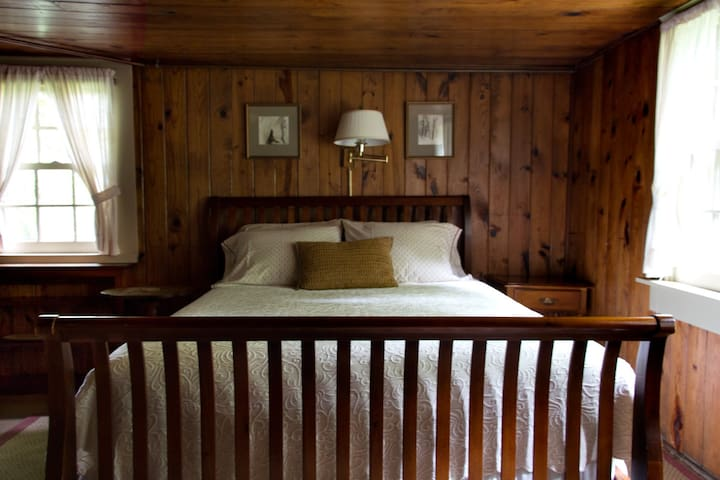 Chinquapin Inn - Queen Bed - Penland - Bed & Breakfast