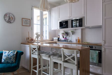 Romantic and luxurious flat at Canal Saint Martin - Paris
