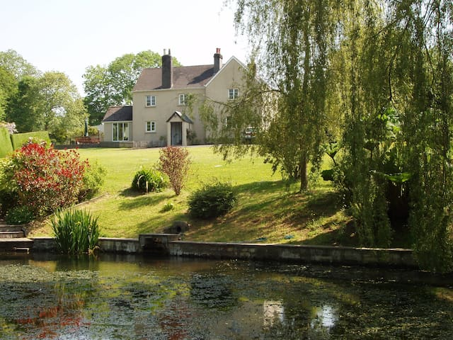 Windwhistle Farm,  near Dartmoor and Plymouth - Devon - Bed & Breakfast