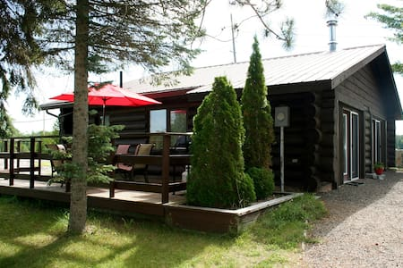 The Highlands 2 Bedroom Log Cottage - Buckhorn - Hytte