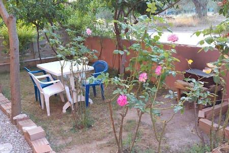 2+1 Bahçeli Ev - Küçukkuyu - 아파트