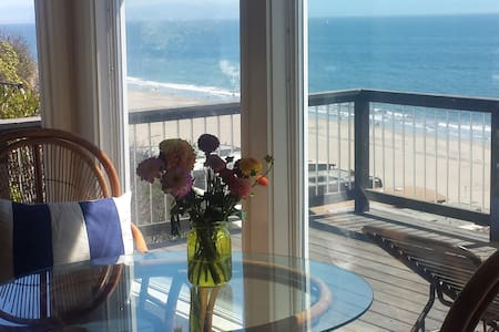 Cottage is perched on a cliff overlooking Rio Del Mar Beach.  Come enjoy breathtaking views and great sunsets! Miles of sandy beaches with beach access trails nearby.   Kitchen, family room ( queen sofabed), deck, bathroom, private bedroom.