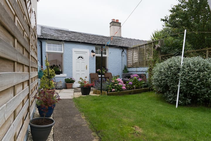 Small cottage in town centre - Largs - Kabin
