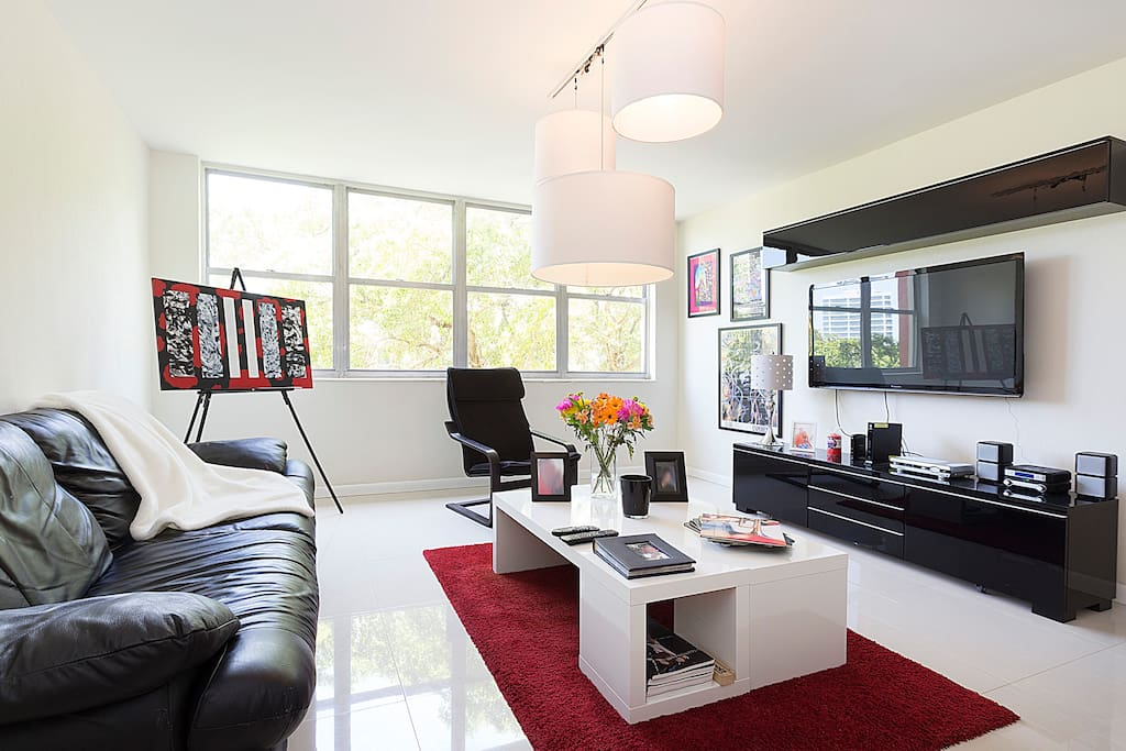 Bright , confortable , clean modern living room with all the ammenities !!