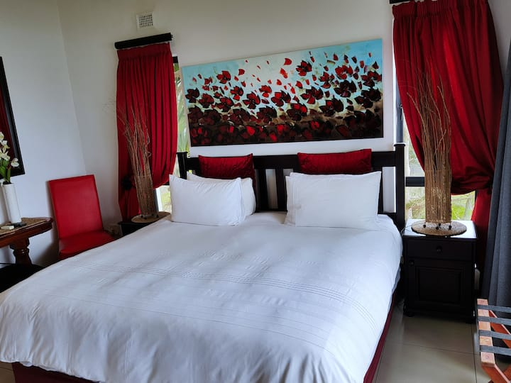Red Room in The Getaway Guesthouse