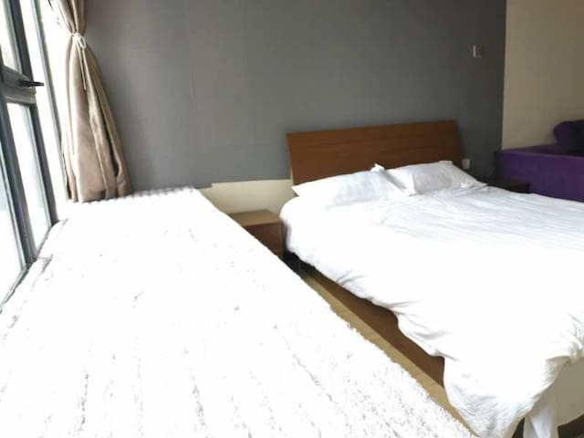 后广场 月光园 温馨公寓一室