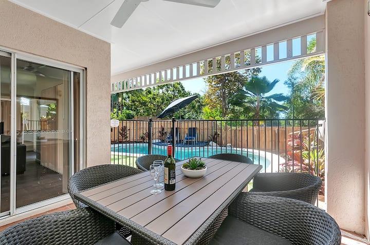 2 Bed 2 Bathroom villa with Pool v23