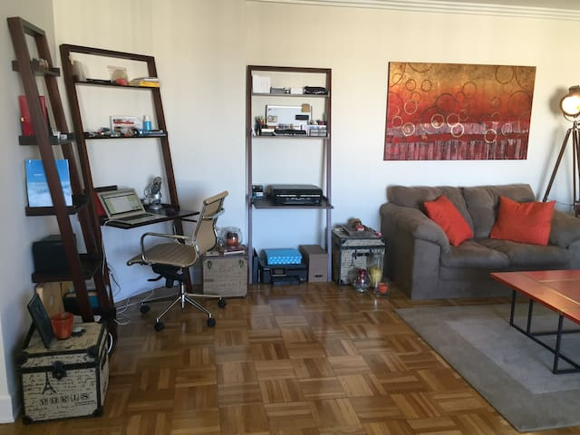 Spacious, Convenient One Bedroom - Los Angeles - Appartement