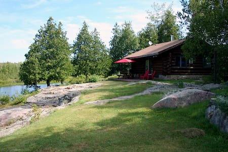 The Highlands 1 Bedroom Log Cottage - Buckhorn - Hytte