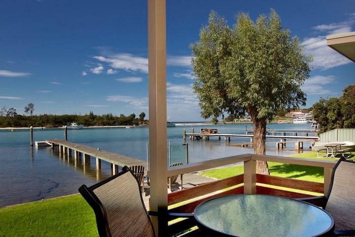 1 Bedroom Waterfront Cabin