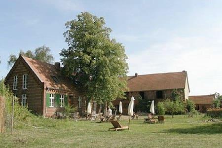 Flusshof - Ökologisch sanierter Hof - Werben (Elbe)