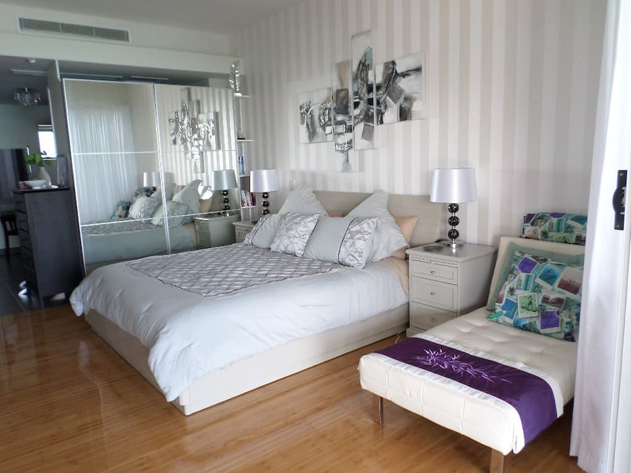 King Bedroom with fold out childs bed