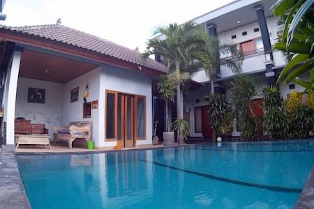 Private room, pool & ricefield view