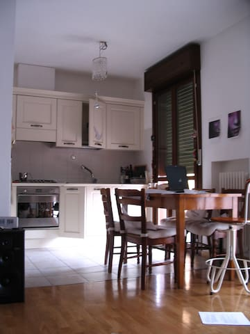 Bright  flat in the hills - Albinea - Apartment