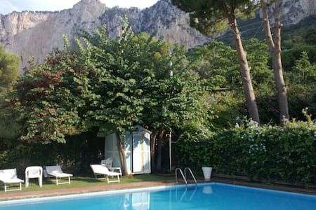 Mondello pool cottage with garden