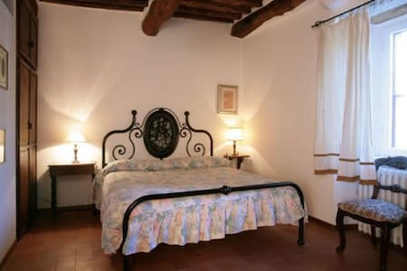 Appartamento in edificio medievale - Province of Siena