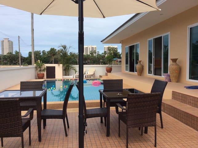 New luxury villa 700 mtr to beach - Cha am - Villa