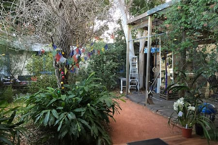 Large airy family or friends house - Naremburn - Casa