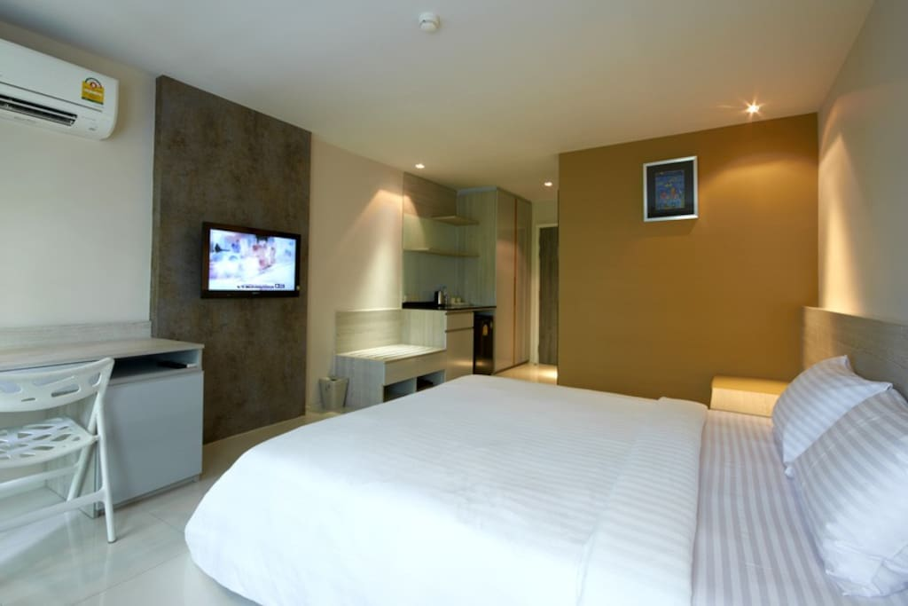 comfy bed, air conditioner and large LED TV :)