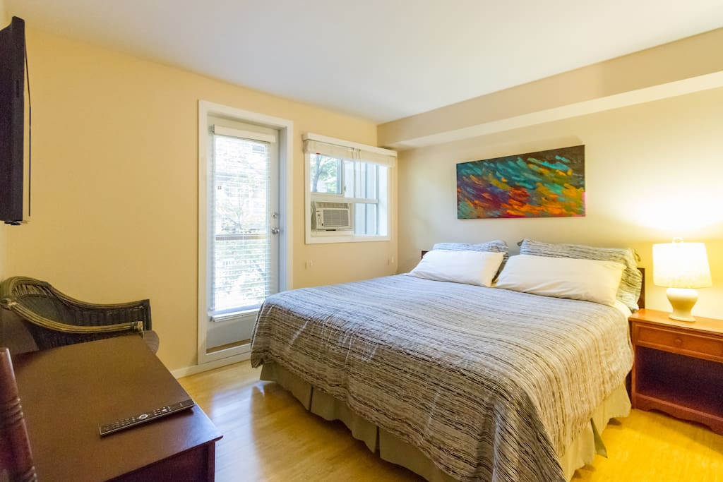 Master bedroom. King bed with AC