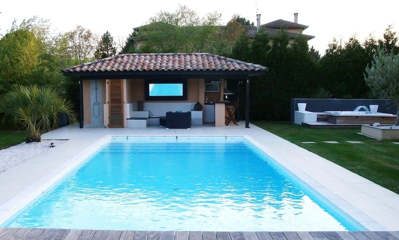 Villa SwimPool heated&Jacuzzi 15Km/Toulouse