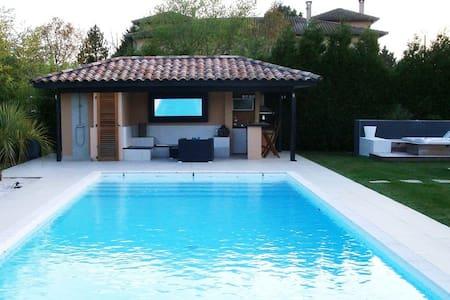 Villa SwimPool heated&Jacuzzi 15Km/Toulouse - Lapeyrouse-Fossat - 別墅