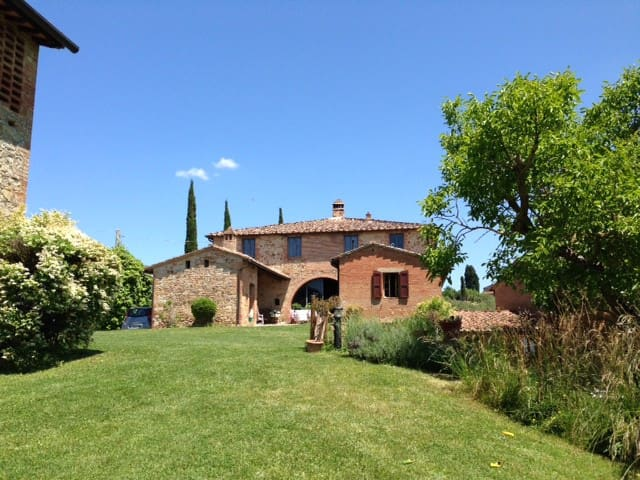 Bed and Breakfast CASA CERNANO - Castelnuovo Berardenga - Bed & Breakfast