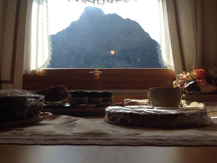 Tavolo da pranzo con vista panoramica