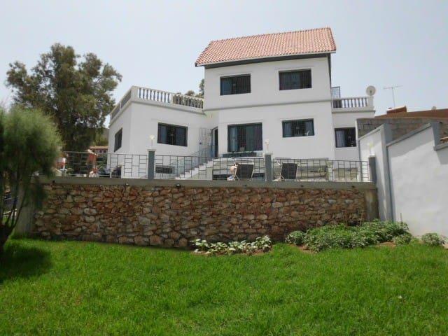 Superbe villa moderne sur la côte - Aïn El Turk - Villa