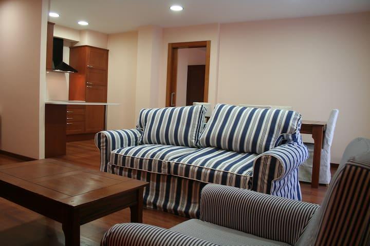 APARTAMENTOS HOTEL TARREGA LAGRANJA - Tàrrega - Appartement