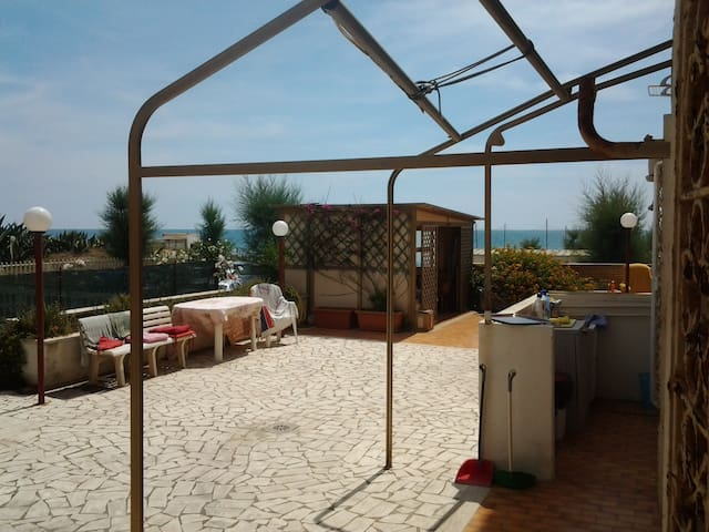 Rome - Beachfront apartment - Roma, Torvaianica, - Apartment